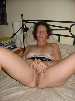 mature nude selfies