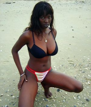 naked amateur black women