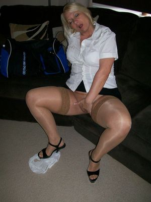 horny housewife pics