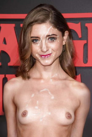 natalia dyer topless