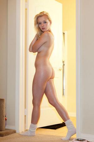 Nude wonders Kat Wonders