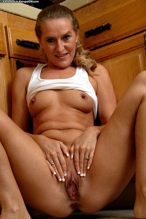 real milfs flashing