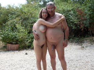 family nudist daughter
