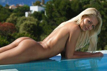 Nackt  Grace Montie 60 Sexy